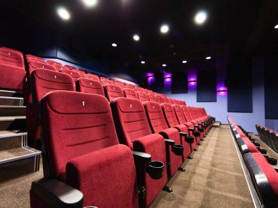 Cinemas e Teatros